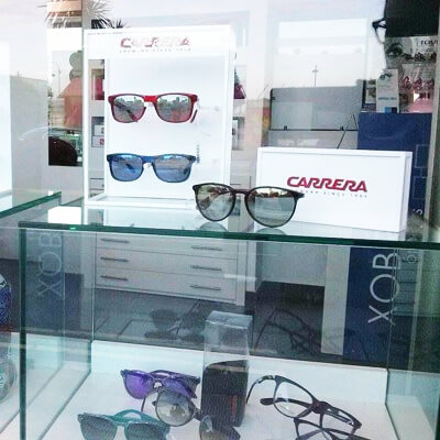 Primeras marcas: CH, Rayban, Carrera, Guess, Arnette, Police...
